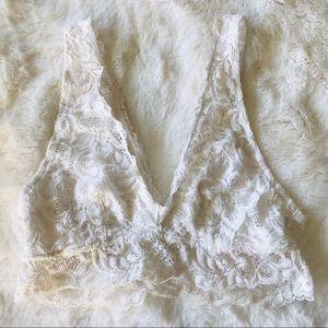Forever 21 Pretty White Lace Bralette